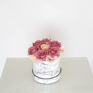 Uinuvad roosad roosid 7TK